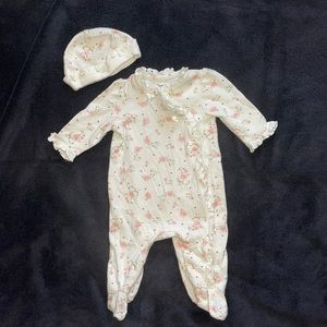 $2 Sale Little Me Footed Sleeper with Hat Roses